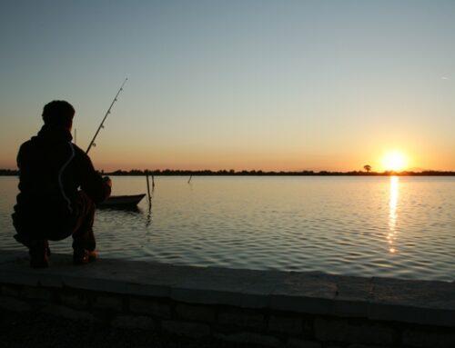 Γιατί απαγορεύτηκε το ψάρεμα ακόμη και με πλωτά μέσα;