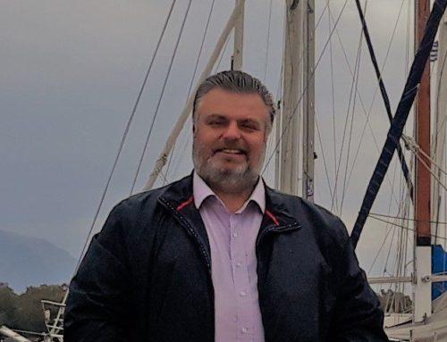 """Ν. Καραπάνος: """"Γιατί η δημοτική αρχή δεν στηρίζει έμπρακτα την τοπική αγορά;"""" – Δήλωση του πρ. δημάρχου για τις προμήθειες εορταστικού διάκοσμου και σπόρων"""